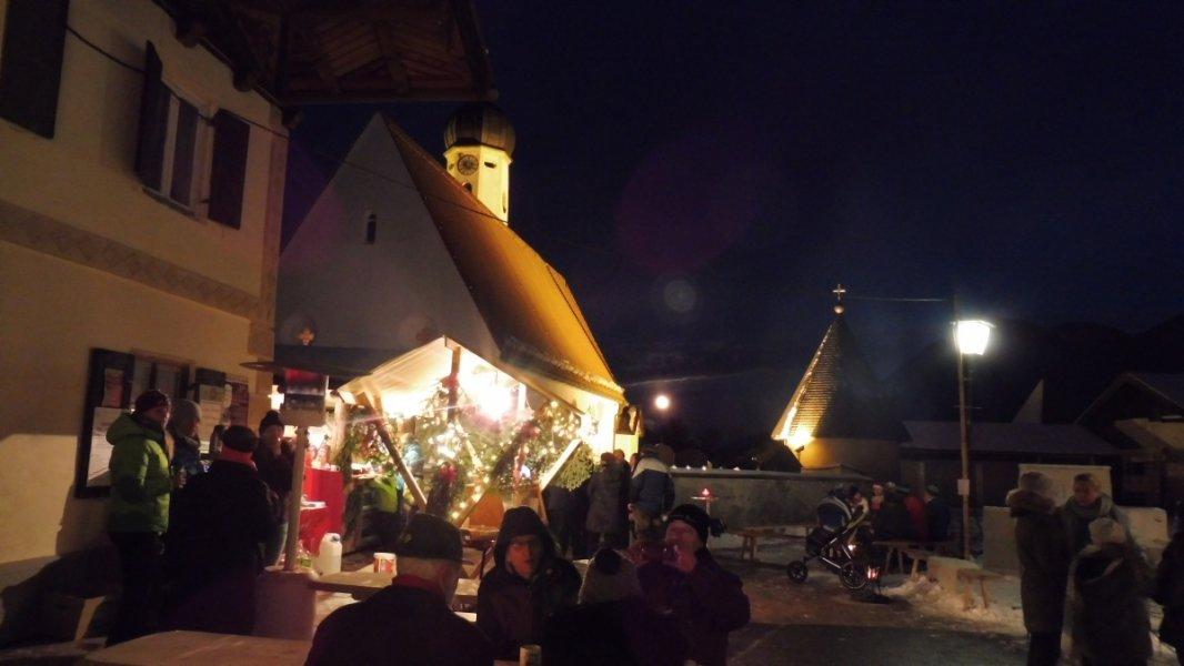 2017-12-03-Adventsmarkt-Dorfplatz (22)