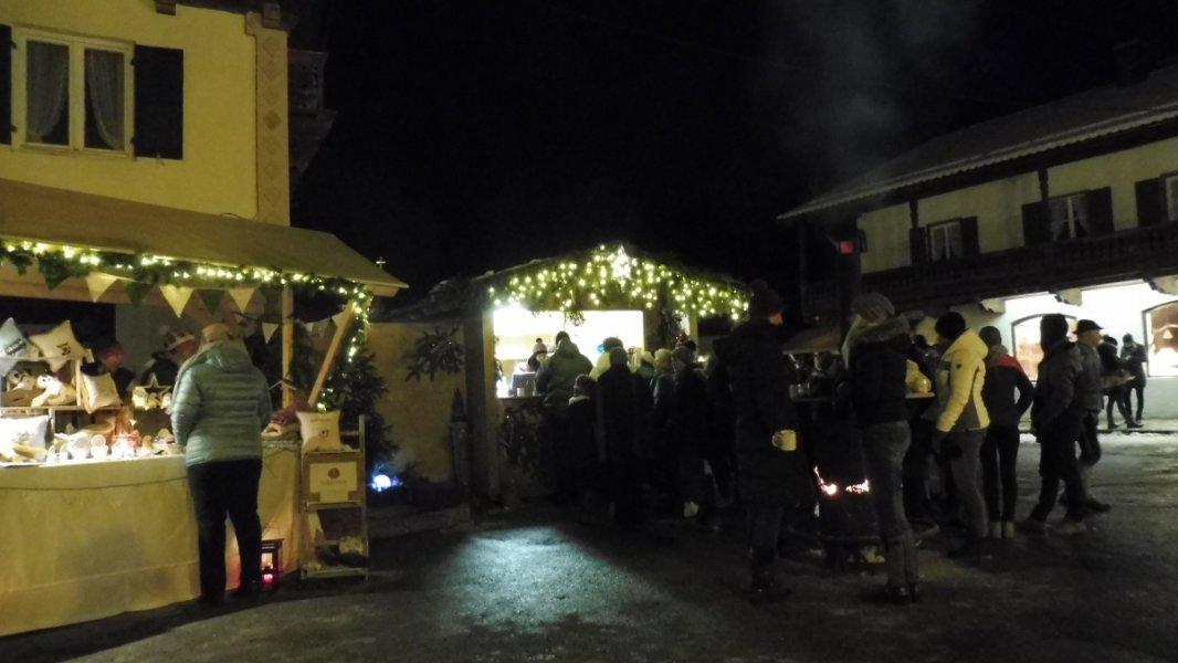 2017-12-03-Adventsmarkt-Dorfplatz (29)