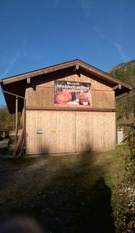 Plakat zum Wallgauer Adventsmarkt 2016 aufgehängt in Kaltenbrunn